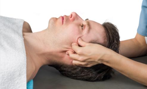 Comment l'ostéopathie peut aider à réduire les maux de tête ?
